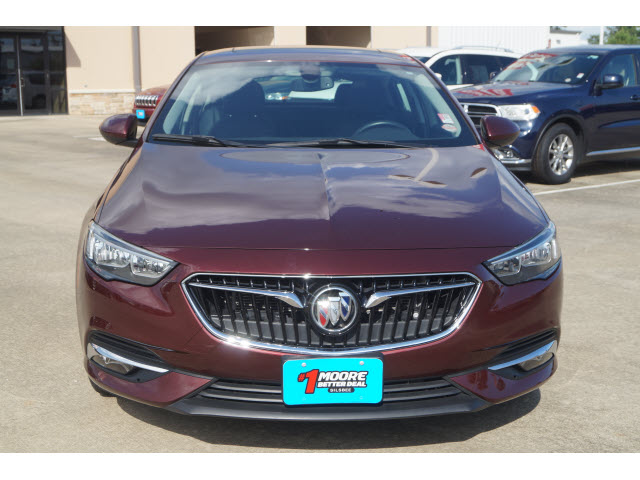 Pre-Owned 2018 Buick Regal Sportback Essence